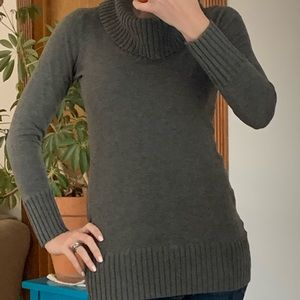Gray cowlneck tunic